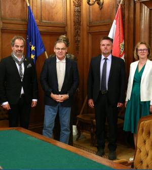 Együttműködési megállapodást kötött a BKV és a Kodolányi János Egyetem