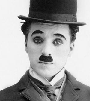 Örökösei előtt mutatják be a Chaplinről szóló, hazai rendezésű némajátékot