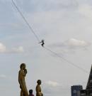Védőháló nélkül Párizs felett