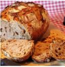 Egy kis különlegesség: Diós-sörös kenyér