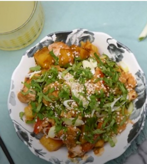Ananászos-csirkés sült rizs