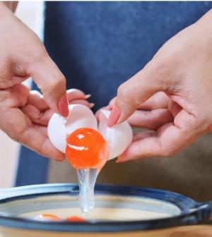 Tényleg jobb-e, ha csak tojásfehérjét eszel, és a sárgáját kihagyod?