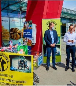 Közel 16 ezer kilogramm száraz tápot adományoztak a SPAR vásárlói a kisállatoknak