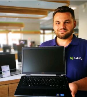 Becsengettek: milyen laptop kell az iskolatáskába?