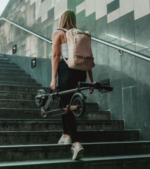 Hogyan illeszkedhetünk be elektromos rollerrel a városi közlekedésbe?