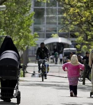 Dánia munkához kötné a migránsok segélyezését